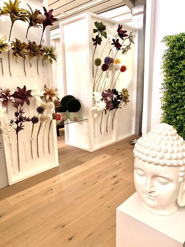 Kunstblumen im H.Andreas Showroom entdecken