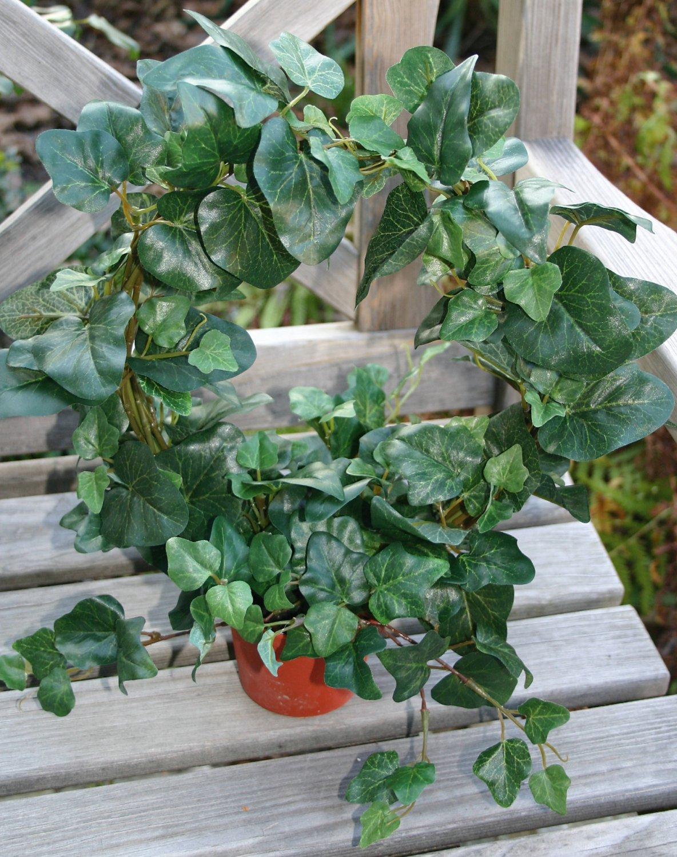 Künstlicher Efeukranz, getopft, Ø 28 cm (gesamt 40 cm), grün
