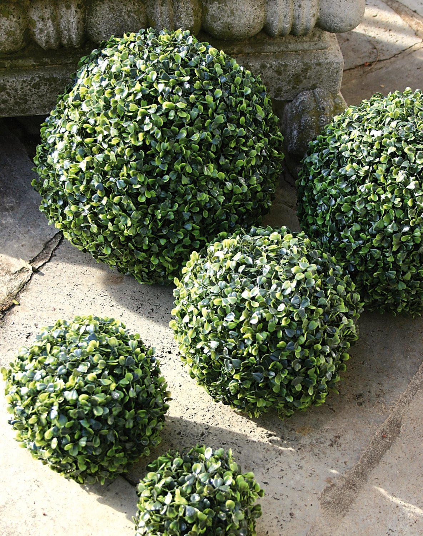 Künstliche Buchsbaumkugel aus Kunststoff, Ø 30 cm, grün