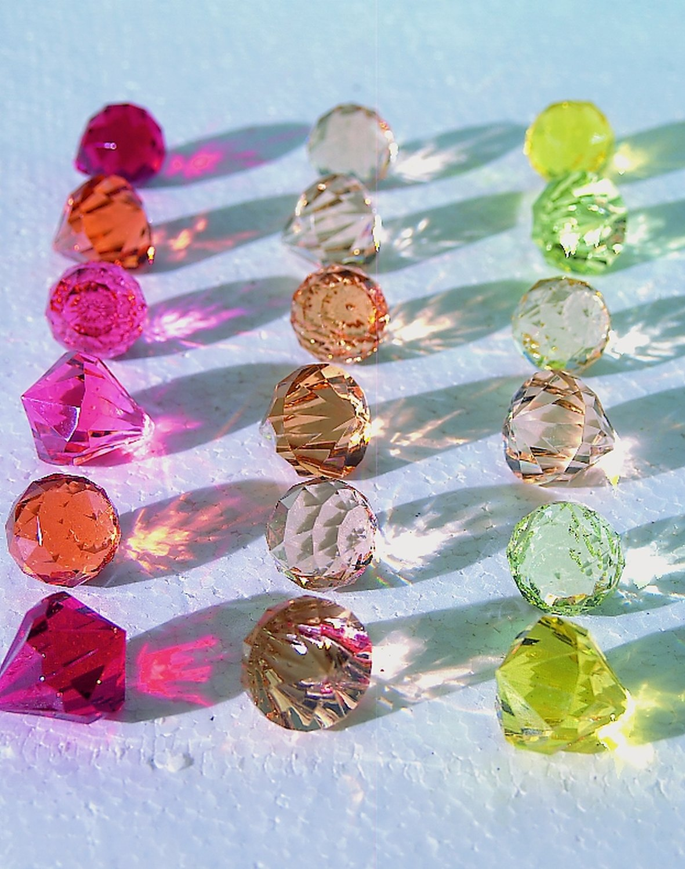 Deko Diamanten / -kugeln, 3 Farbtöne, 3 cm, rot
